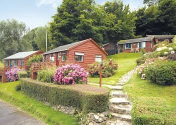 Grattons-Cedar-Lodges