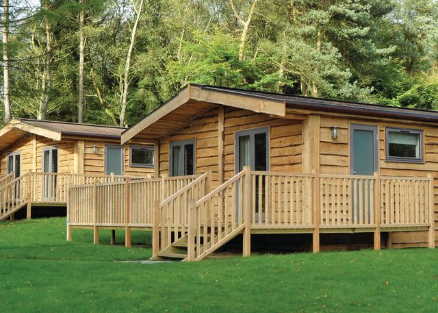 Marwell-Lodges