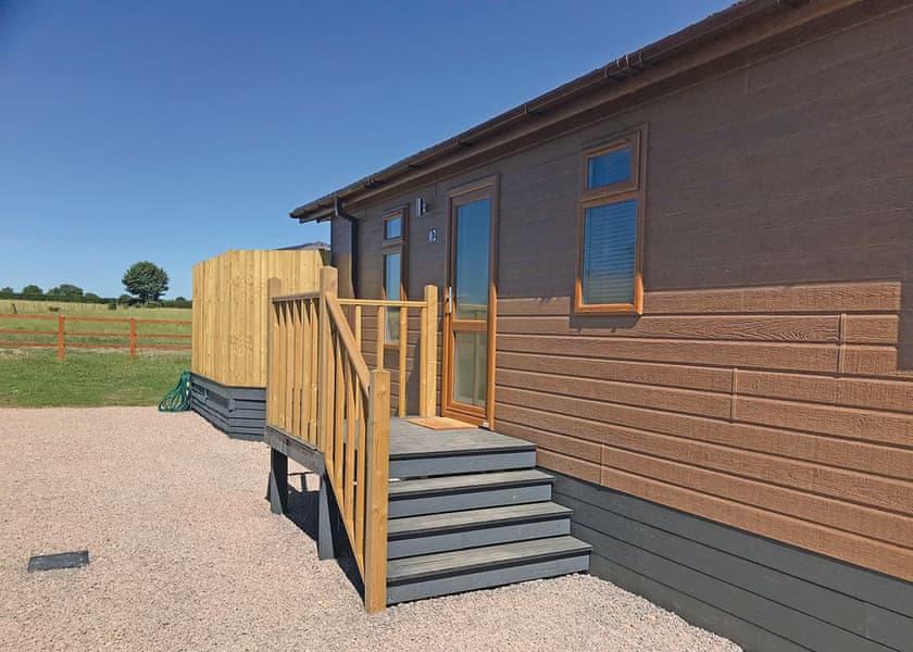 Larkrise-Farm-Lodges