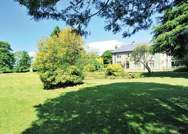 Kentisbury-Grange-Country-Park