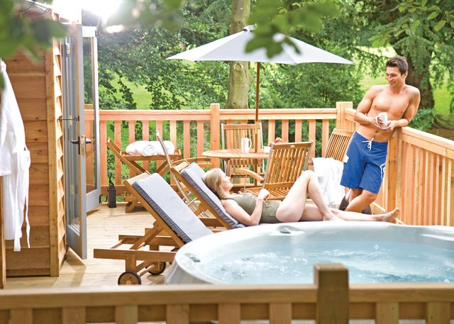 Henlle-Hall-Woodland-Lodges